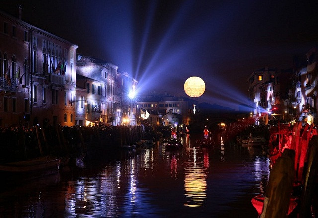 The night opening of the Venice Carnival 2016