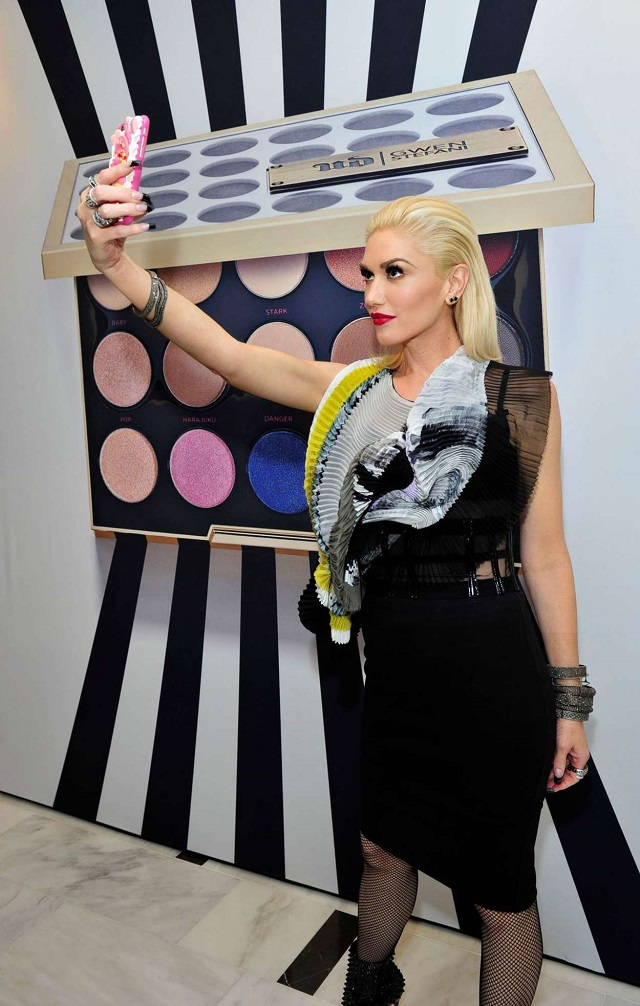 Gwen-Stefani-Urban-Decay-Cosmetics-Launch-Event-01
