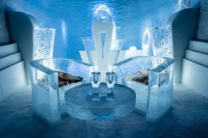 worlds-first-permanent-ice-hotel-10
